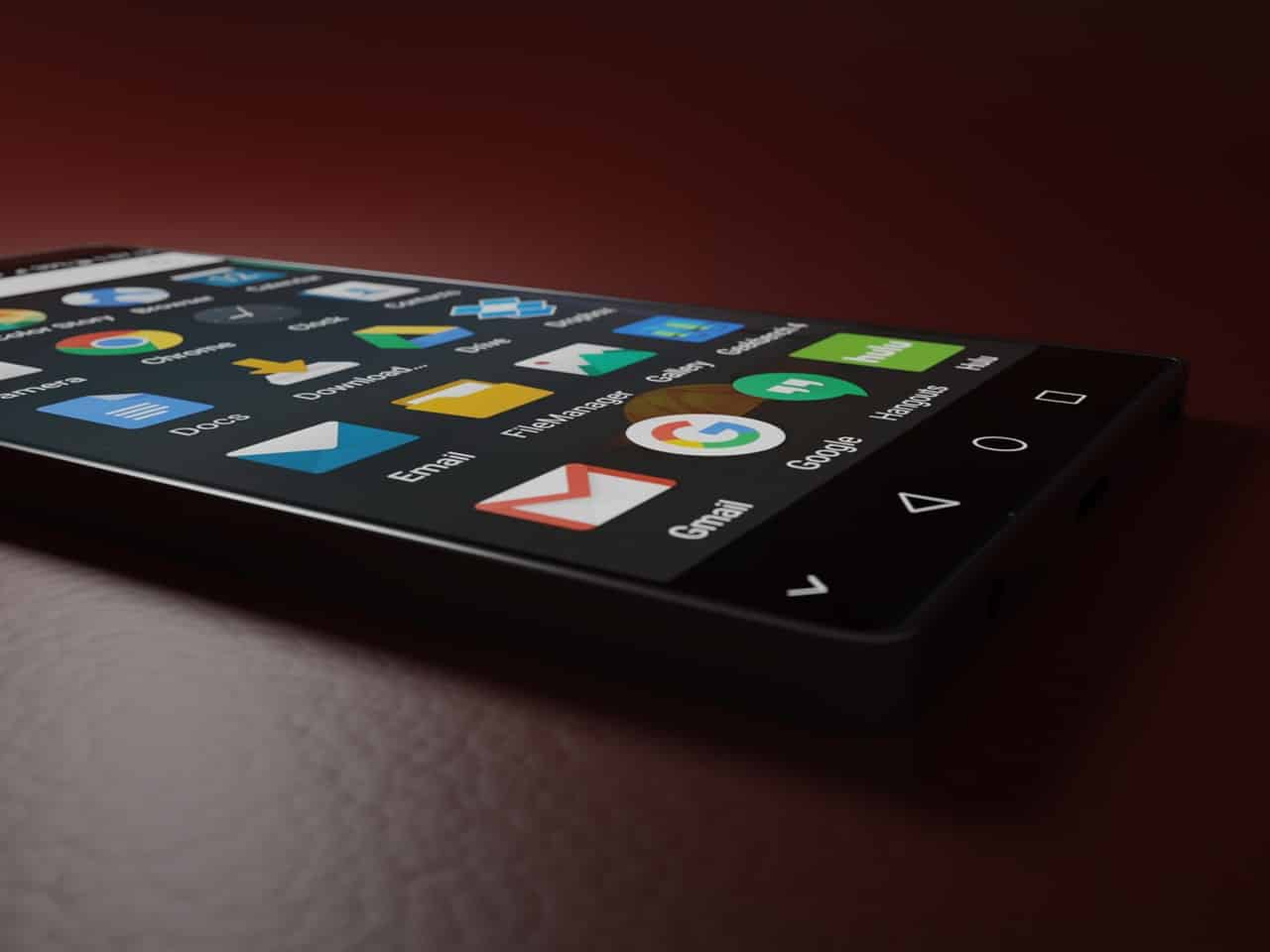 Téléphone portable iPhone avec applications dont Gmail