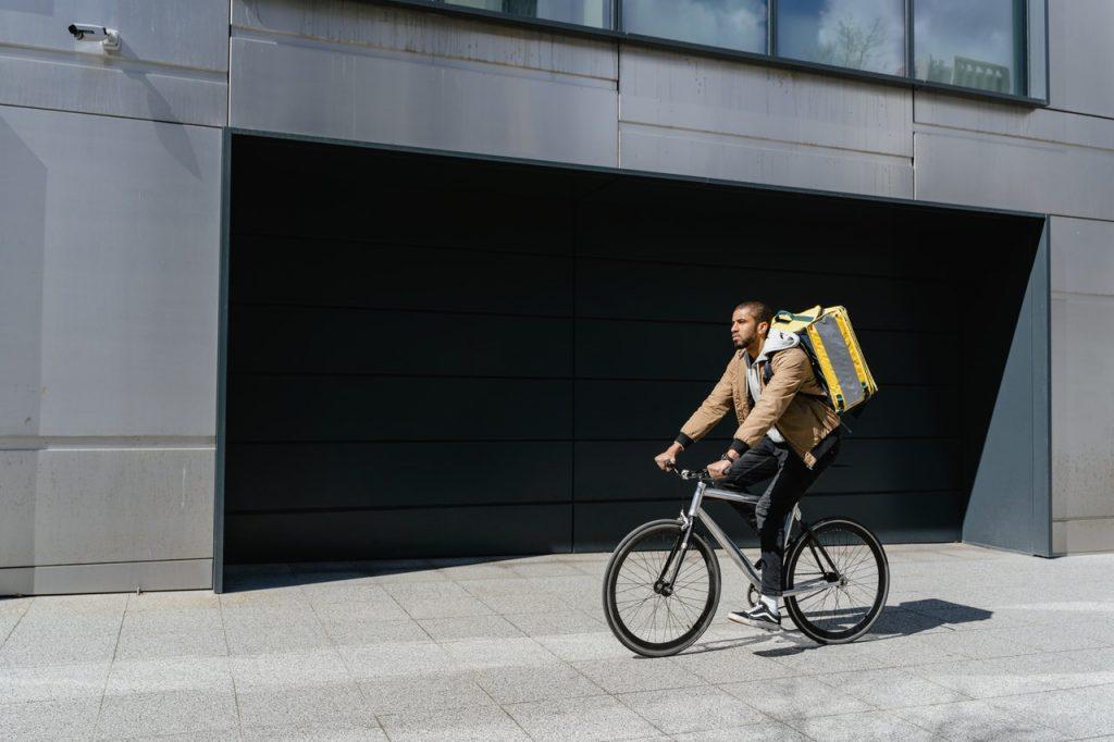 Coursier, livreur en vélo
